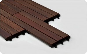 Decking tile in laid position
